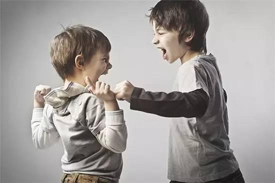 自闭症儿童出现攻击行为的常见原因